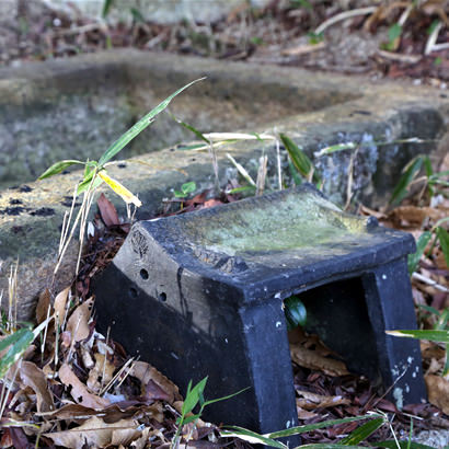 在它被视为石棺之前,一直作为石柜(放置重要物品的盒子)为人供奉