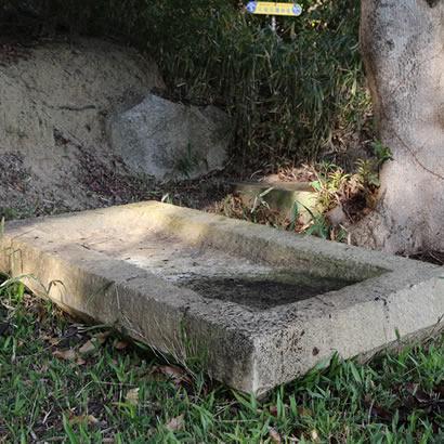 冈之谷一号坟 石棺盖