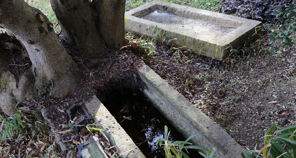 冈之谷一号坟 石棺